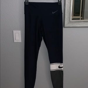 Women's navy nike leggings